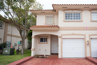 Coral Springs Townhouse For Sale: 3081 Riverside Drive #16
