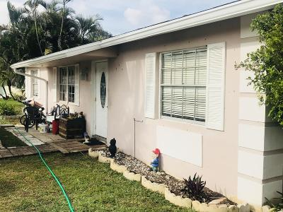 Boca Raton FL Single Family Home For Sale: $300,000