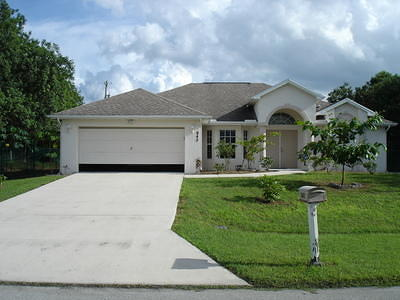 Port Saint Lucie Single Family Home For Sale: 942 SW McDevitt Avenue