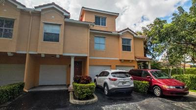 Delray Beach Townhouse For Sale: 2012 Alta Meadows Lane #108