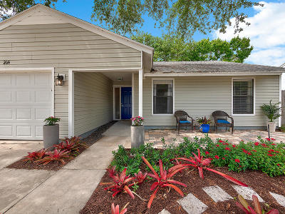 Jupiter Single Family Home For Sale: 204 Woodbridge Drive