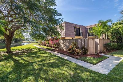 Palm Beach Gardens Townhouse For Sale: 708 7th Court