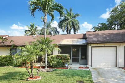 Boynton Beach Single Family Home For Sale: 27 Mayfair Lane