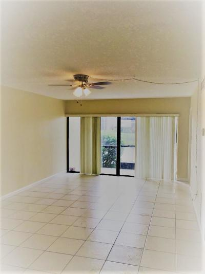 Fort Pierce Condo For Sale: 2050 Oleander Boulevard #6-102