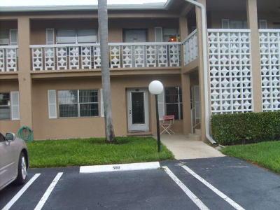 Delray Beach Condo For Sale: 1030 Silk Oak Terrace #203