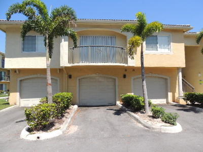 Royal Palm Beach Condo Contingent: 700 Crestwood Court S #703
