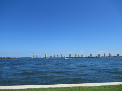 North Palm Beach Condo For Sale: 100 Shore Court #102