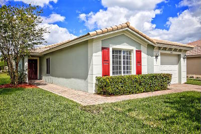 Port Saint Lucie Single Family Home For Sale: 2158 Newport Isles Boulevard