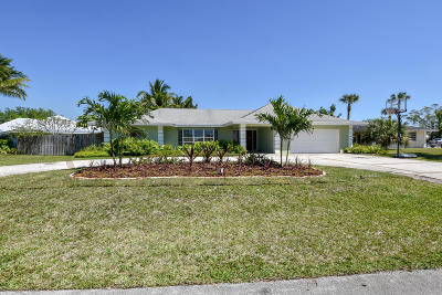 Tequesta Single Family Home For Sale: 228 Golf Club Circle