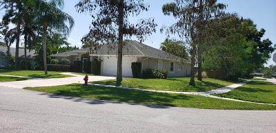 Wellington Single Family Home For Sale: 930 Meadow Avenue