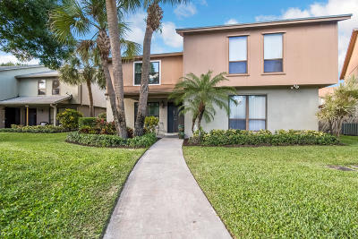 Palm Beach Gardens Townhouse For Sale: 408 Sandtree Drive