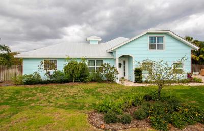 Martin County Single Family Home For Sale: 5461 SE Nassau Terrace