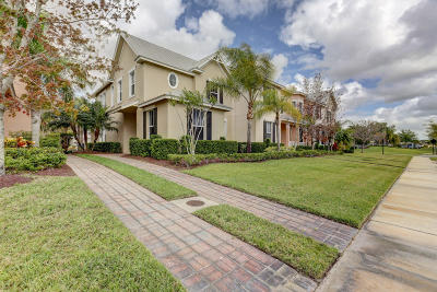 Port Saint Lucie Single Family Home For Sale: 10483 SW Westlawn Boulevard