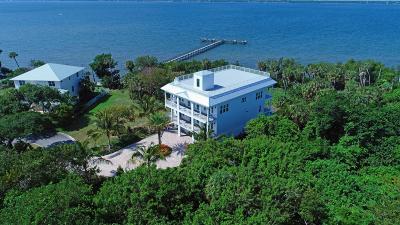 Jensen Beach Single Family Home For Sale: 7651 Pelican Pointe Drive