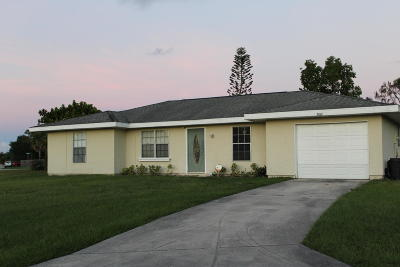 Port Saint Lucie Single Family Home For Sale: 2001 SE Talwood Lane