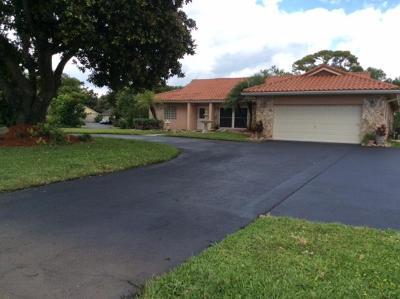 Boca Raton Single Family Home For Sale: 22789 Horseshoe Way