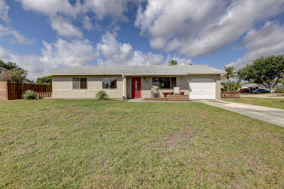 Port Saint Lucie Single Family Home For Sale: 1002 SE Bethume Court