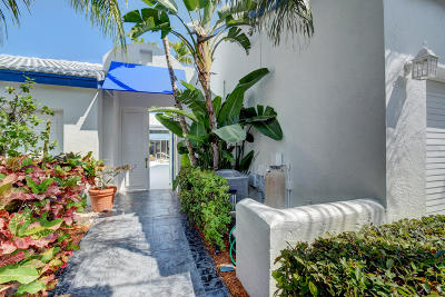 Boca Raton Townhouse For Sale: 3695 Mykonos Court