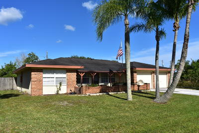 Port Saint Lucie Single Family Home For Sale: 477 SE Sunnydale Lane