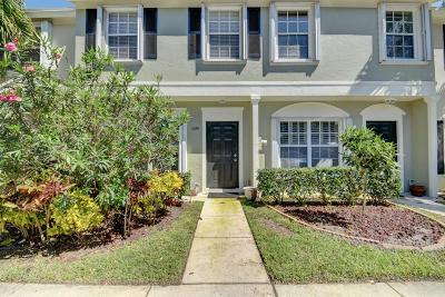 Delray Beach Townhouse For Sale: 1059 Kokomo Key Lane