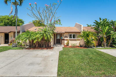 Boynton Beach Single Family Home For Sale: 15 Knightsbridge Lane