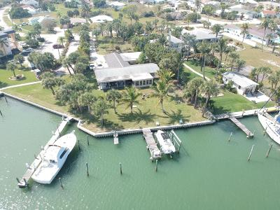 Fort Pierce Single Family Home For Sale: 1363 Bayshore Drive