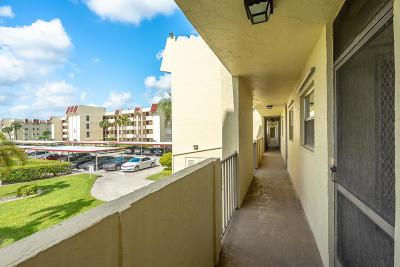 Boca Raton Condo For Sale: 23099 Barwood Lane #207