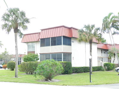 Royal Palm Beach Condo For Sale: 12026 Greenway Circle S #201