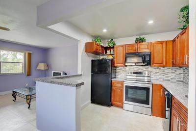 Delray Beach Condo For Sale: 714 Brittany O #714