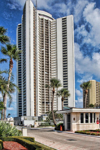 Singer Island Condo For Sale: 3000 Ocean Drive #11g