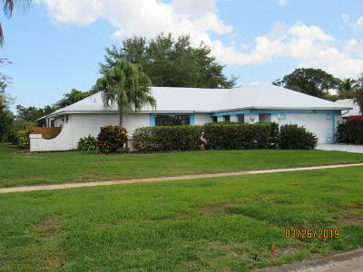Single Family Home For Sale: 2441 SE Gowin Drive