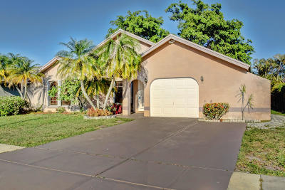 Boca Raton Single Family Home For Sale: 22668 Pickerel Circle