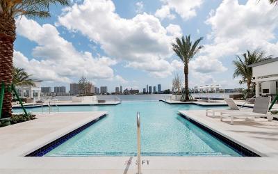 Miami-Dade County Condo For Sale: 17111 Biscayne Boulevard #904