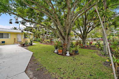 Jupiter Single Family Home For Sale: 204 2nd Street