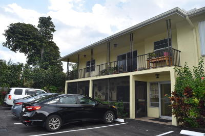 Deerfield Beach Condo Contingent: 1962 NE 6th Street #4b