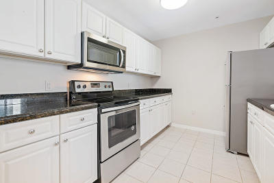 Jupiter Condo Contingent: 1200 Town Center Drive #208