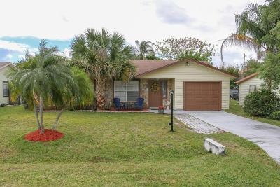 Stuart Single Family Home Contingent: 3038 SE Orchid Street