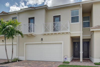 Royal Palm Beach Townhouse For Sale: 81 Dogwood Court