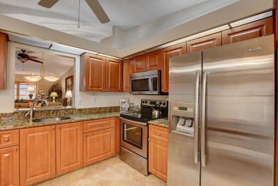 Boca Raton Single Family Home For Sale: 8240 Whispering Palm Drive