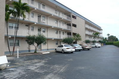 Boynton Beach Condo For Sale: 2300 NE 1st Lane #403