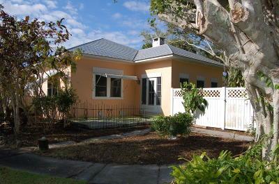 Hobe Sound Single Family Home Contingent: 9206 SE Venus Street