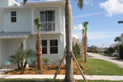 Townhouse Contingent: 3253 Hemingway Drive