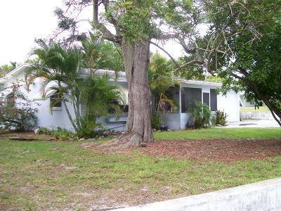 Jensen Beach Single Family Home For Sale: 1535 NE Hilltop Street
