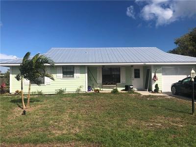 Jensen Beach Single Family Home Contingent: 1963 NE Aloe Calle