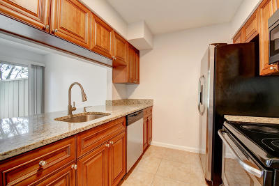 Jupiter FL Townhouse For Sale: $223,000