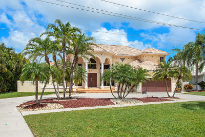 Hidden Valley Single Family Home For Sale: 311 S Country Club Boulevard