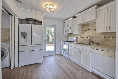 Pompano Beach Single Family Home For Sale: 1541 NE 32nd Court