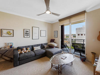 West Palm Beach Condo For Sale: 600 S Dixie Highway #811