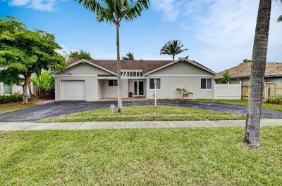Boca Raton Single Family Home For Sale: 9713 Carousel Circle