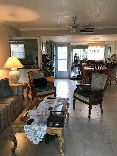 Palm Springs Condo For Sale: 725 Lori Drive #208